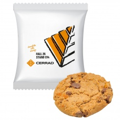 OATMEAL COOKIE WITH ORANGE AND DARK CHOCOLATE